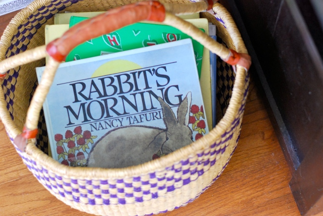 library basket o books