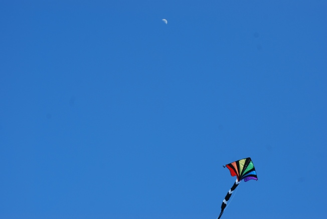 moon and the kite