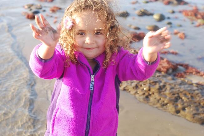 summer sandy hands