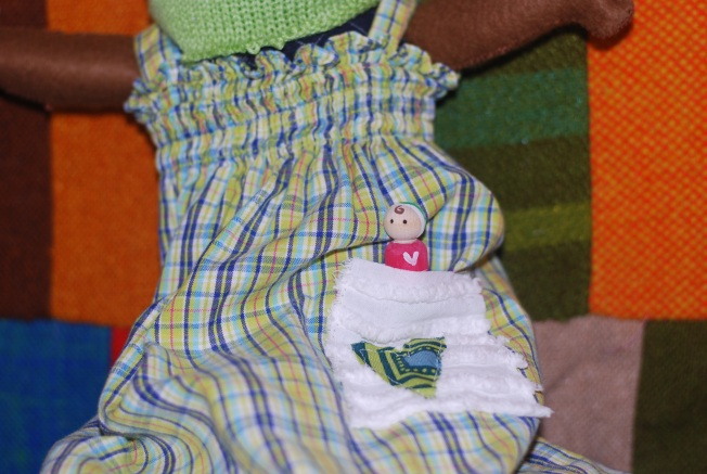 peg doll pocket